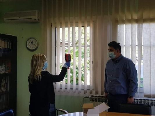 Humanost u vrijeme korone – Partner Kantonalnoj bolnici Bihać uručio termovizijsku kameru