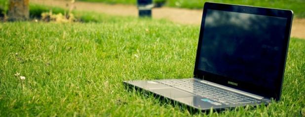 """Završen poziv školama """"Partner MKF donira 100 laptopa učenicima"""""""